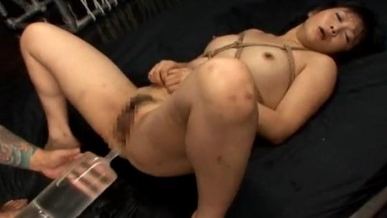 縄跡だらけの真性ドM奴隷!極太浣腸セックスで噴射イキ